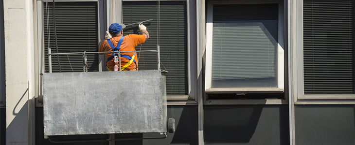 What are the risks for window cleaners